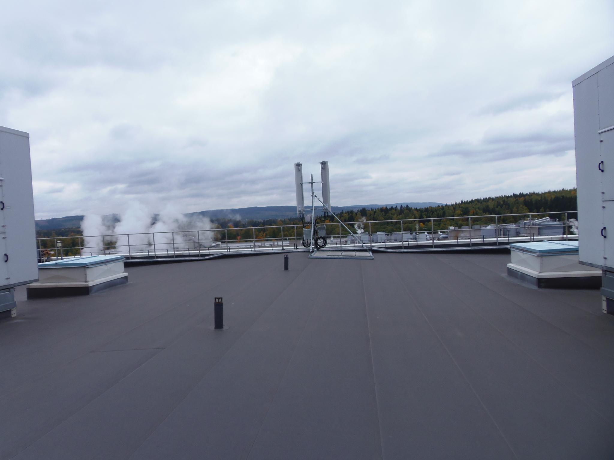 Antenn och RRU montage tak